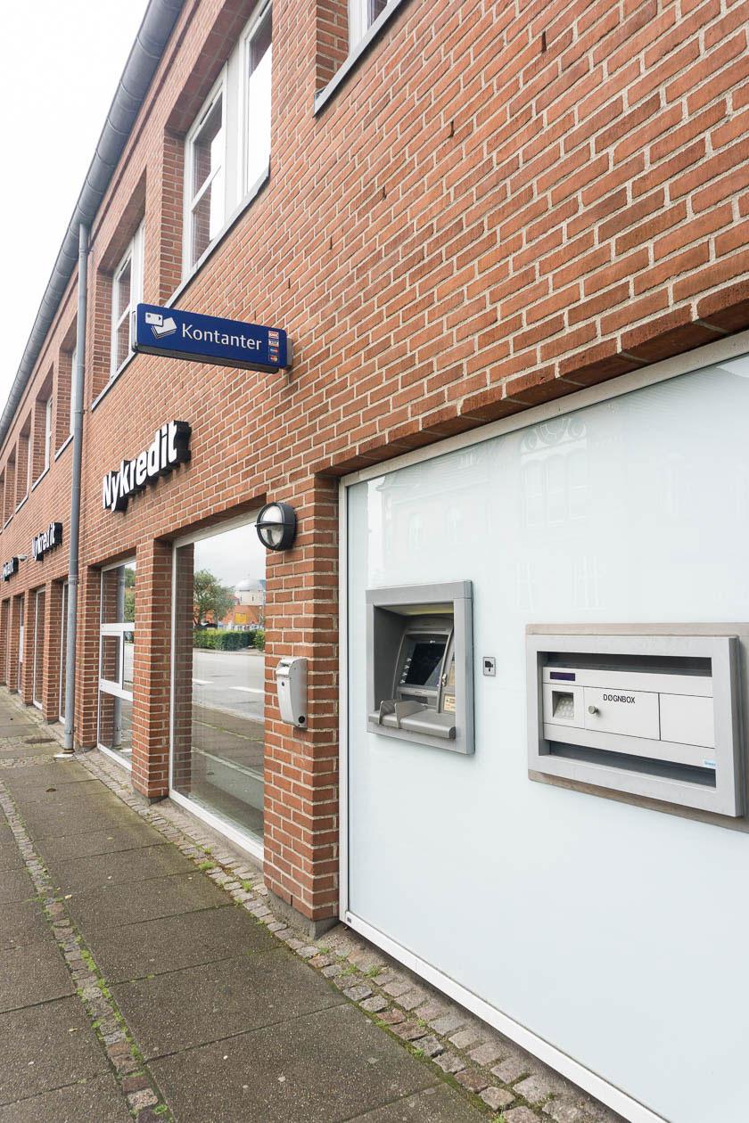 Geldautomat bei einer Bank in Dänemark