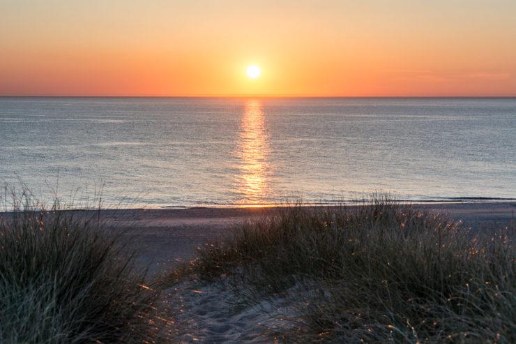 Sonnenuntergang am Strand von Stenbjerg