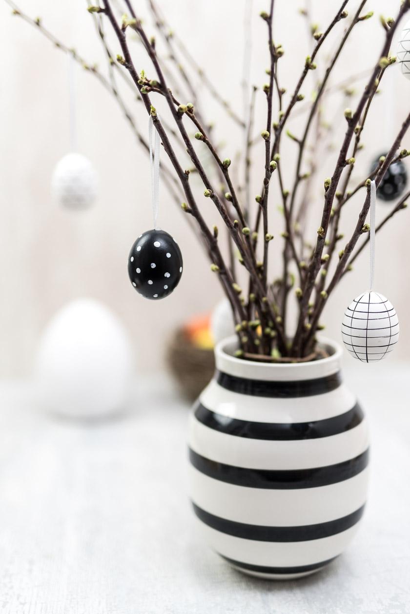 Osterdeko Strauß mit Eiern in Kähler Vase