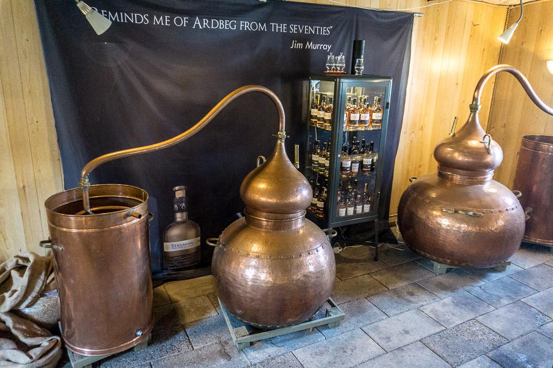 Die ersten Pottstils der Stauning Whisky Destille