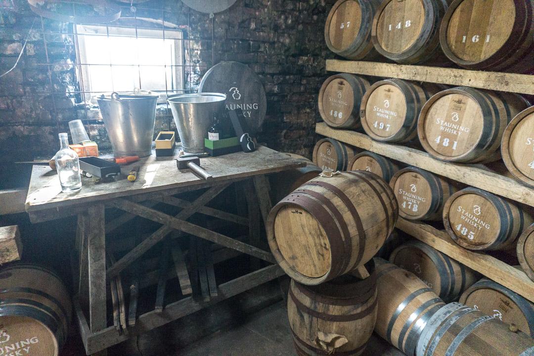 Kleines Fasslager Stauning Whisky