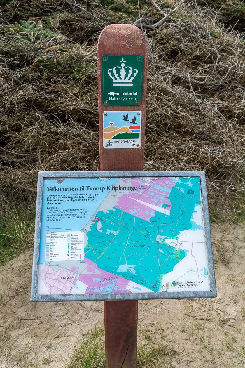 Hinweisschilder zeigen eine gute Übersicht über das Gebiet