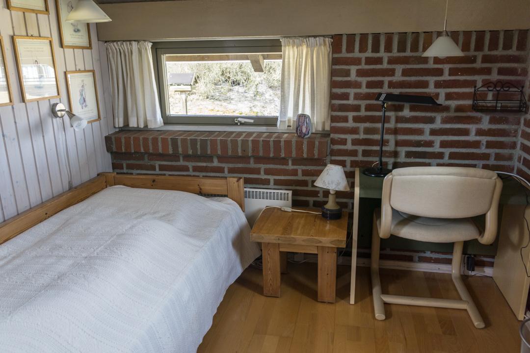 Schlafzimmer mit Einzelbett Ferienhaus Fanø Slunden 9
