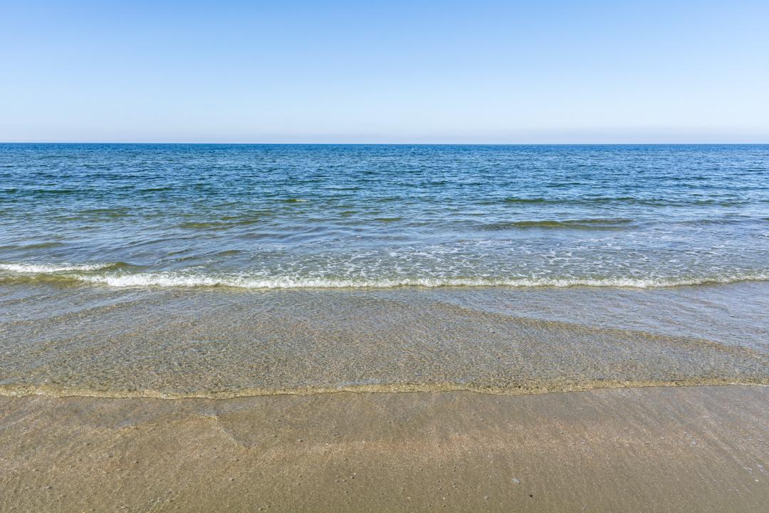 Kristallklares Wasser am Strand von Rømø