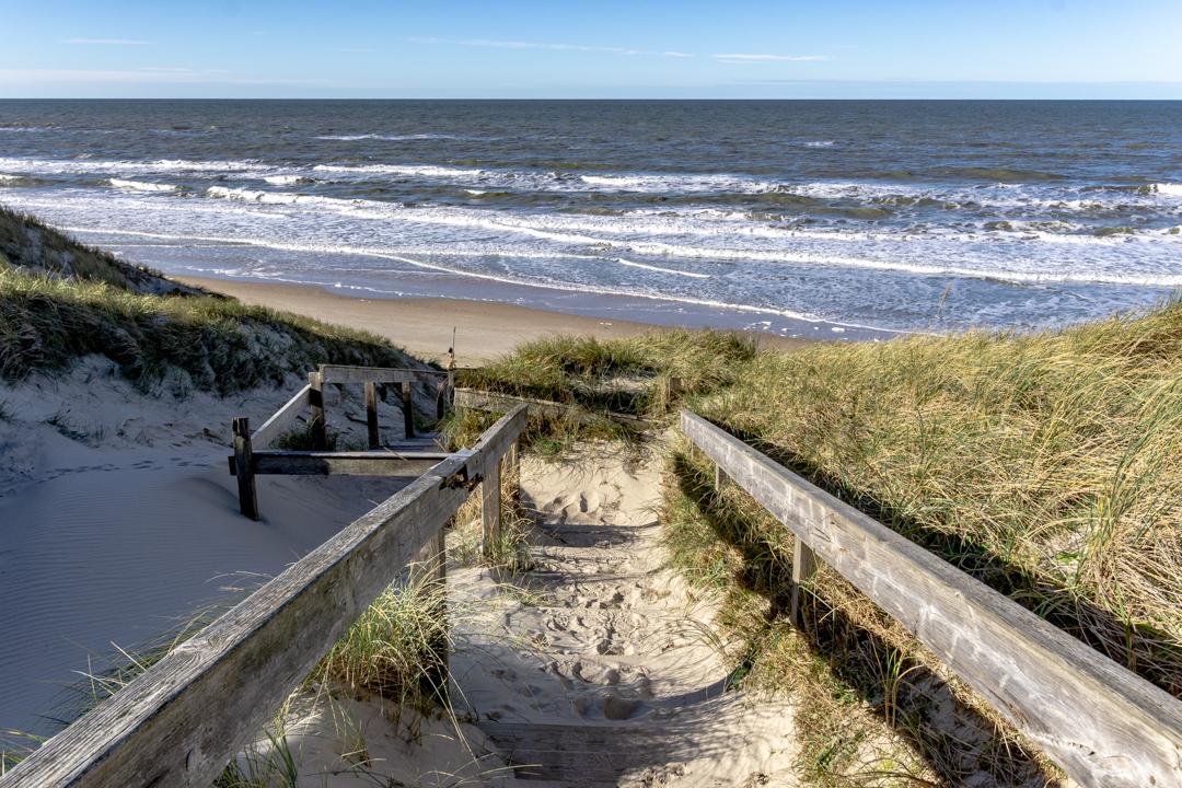 Treppe zum Strand in Hirtshals