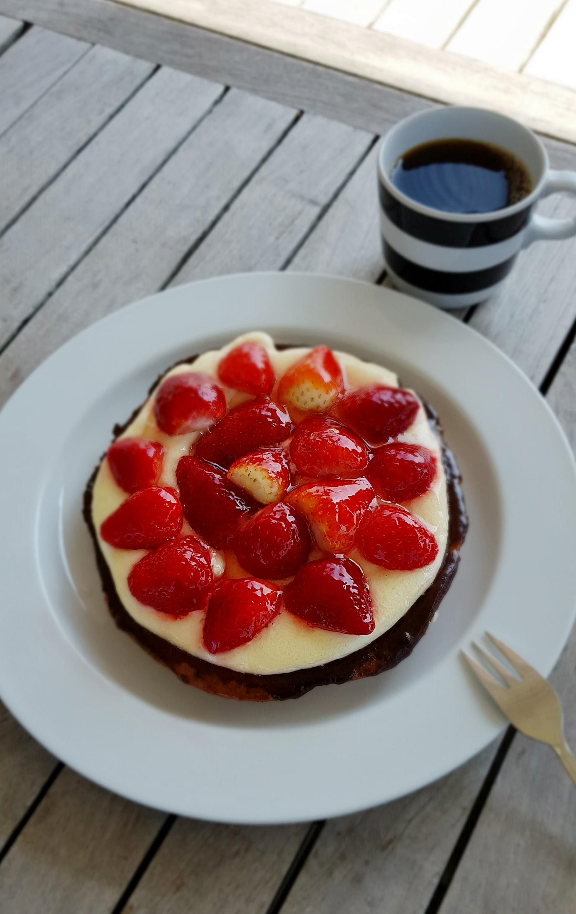 Dänische Erdbeertorte mit Marzipan